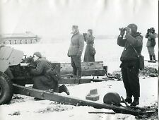 Real Photo Soviet Red Army Artillery Winter 1979 Large Howitzer Crew Snow MT-LB