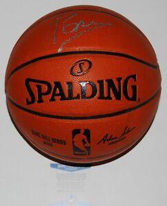 KRISTAPS PORZINGIS signed (DALLAS MAVERICKS) NBA basketball BECKETT BAS AA24501