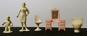 Vintage Marx Dollhouse Figures & Furniture