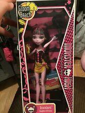 Monster High Draculaura *GLOOM BEACH* NIB Doll