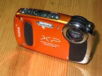 Fujifilm FinePix XP Series XP20 14.4MP Digital Camara - Naranja