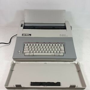 SMITH CORONA XL2800 Electronic Portable Typewriter with Spell-Right Dictionary