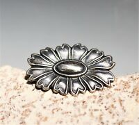 Silver tone ornate flower great cond BROOCH