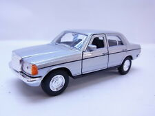 47768 Welly Limousine Mercedes Benz MB W123 1975-1986 Modellauto silber 1:40 NEU