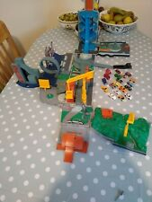 Micro Machines Stunt City Lorry/Fold out playset - Hasbro 2001 with cars