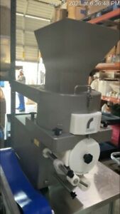 Formatic R2200 - Cookie Depositor - very light usage - 4,400 cookies per hour!