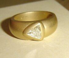 Ausgefallener massiver Ring 750er Gold mit Diamant-Trilliant 0,40 ct lupenrein
