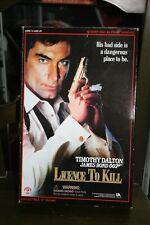 JAMES BOND SIDESHOW ESCALA 1/6: LICENCE TO KILL. ROBERT DAVI AS FRANK SANCHEZ