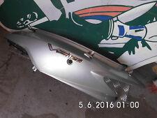 Daelim VS125  Seitenverkleidung Oben unterm Sitz