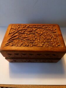 Small Wooden Jewellery Case/box carved