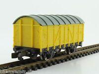 Rokal TT gedeckter Güterwagen gelb