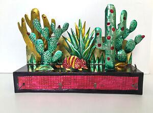 Beautiful  vintage Mexican Folk Art key rack vgc
