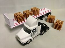 "Freightliner Century Class Flatbed w/Pallet 21"" DieCast 1:32 New Ray Toy White"