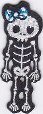 Aufnäher Bügelbild Iron on Patches Skelett mit blauer Schleife klein cute a7f4