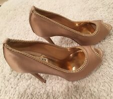 Badgley Mischka Shoes Peep Toe Platform Nude 6
