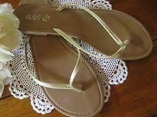 BNWOT Womens Really Sweet RUBI Matte Gold Thongs.So Versatile.Size 41, 10.Lovely