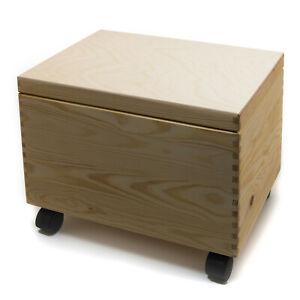 HolzFee Spielzeugkiste Holz 40 x 30 x 25 cm mit Rollen Holzkiste Deckel Truhe