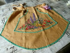 VINTAGE HAND EMBROIDERED LINEN APRON  -1950'S