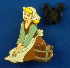 Cinderella Cleaning in Rags LE Gallery Magical Moments Box Disney Pin # 1038
