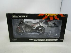 2005 Valentino Rossi Collection MINICHAMPS *YAMAHA YZR-M1* 1:12  (NOS) (WHT/BLK)