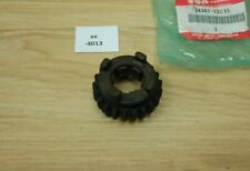 Suzuki RGV250 24361-12C11 Gear,6th Driven Genuine NEU NOS xx4013