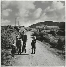 Frank MONACO: Country Village, Ireland, 1955 / PIX Agency / VINTAGE
