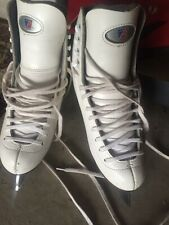 Riedell Size 3 Youth Ice Skates.Good Condition. Girls