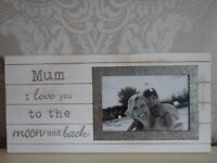 Mum i love you to the moon and back photo frame 6 x 4 wooden Christmas gift sis