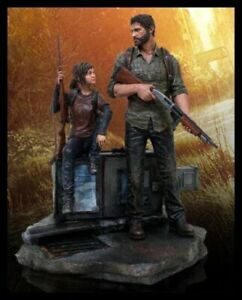 The Last of Us Joel and Ellie Post Pandemic Statue + First Print Volume 1 Comic