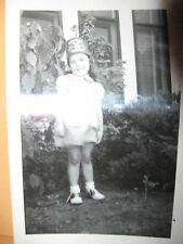"""1950's B&W Photo YOUNG GIRL IN SHRINERS HAT  2 1/2"""" x 3 5/8"""" black & white pic"""