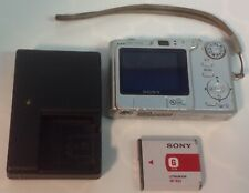 SONY CYBER-SHOT DSC-W30 6.0MP DIGITAL CAMERA SILVER CHARGER & BATTERY
