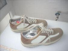 scarpa uomo mbt in pelle  misura 45 e 2/3,ma calzano piccolo  leggi