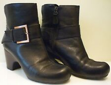 CLARKS ACTIVE AIR LADIES ANKLE BOOTS SIZE 4