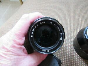 NIKON MODEL 105mm f2.5 NIKKOR P.C NON-AI. vintage LENS. HS-4 METAL HOOD. JAPAN