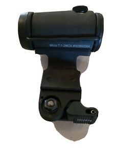 Aimpoint Micro T-1 T1 red dot on larue tactical LT724 angled CQB mount