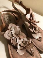BOC BORN Champagne LEATHER ANKLE T STRAP FLOWER THONG SANDALS WOMENS Size 6 M