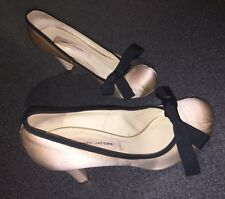 MARC JACOBS Shoes SZ 36 US 6 Cream Satin Pumps w/ Ribbon Bow Leather Lined Sole