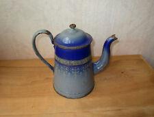 Ancienne très belle cafetière en tôle émaillée à décor orientaliste arabisant.