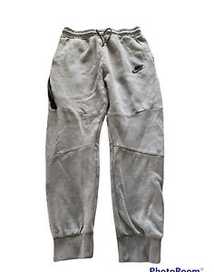 Boys Nike Tech Fleece Sweatpants Joggers Grey Size XL Pre-Owned