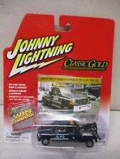 Johnny Lightning White Lightning Classic Gold 2000 Ford F-Series Super Duty Tow
