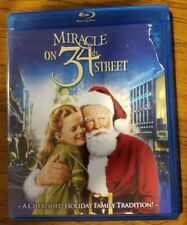 Miracle on 34th Street Blu-ray The Disc is in Perfect Condition COVER NOT