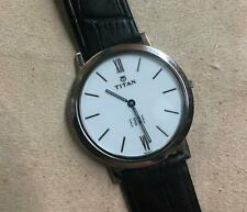 "Titan Men's 679SL01RA ""Edge"" Ultra-Slim 3.5mm Thin Watch with Black Leather Band"