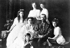 Lo Zar Nicola II e famiglia intorno al 1900 POSTER stampati