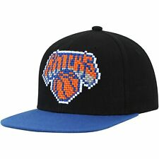 New York Knicks Mitchell & Ness 8-Bit Two-Tone Adjustable Snapback Hat - Black