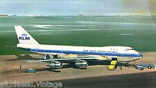 Postcard 96 - Plane/Aviation KLM Boeing 747B (large)