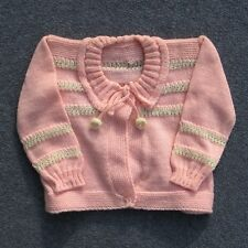 Authentique vintage gilet rose blanc Bébé tricoté ou vêtement de poupée France