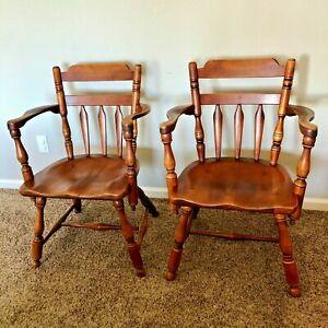 Cushman Colonial Creation Pair of Dining or Sitting Chairs Beautiful Maple