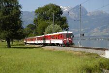 PHOTO  SWITZERLAND 2006 BRUNIG LINE TRAIN AT  LAKE SARNEN NEAR SACHSELN
