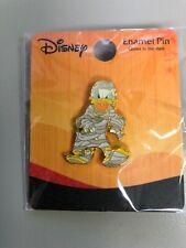 Disney Halloween Donald Duck as Mummy Loungefly Trading Pin Glow in Dark New