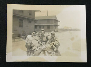 World War 1 Picture Of Soldiers - Historical Artifact - SN13